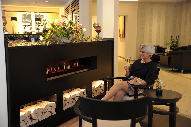 designer keramik kamine kaminausstellung erika mann str maxvorstadt m nchen. Black Bedroom Furniture Sets. Home Design Ideas