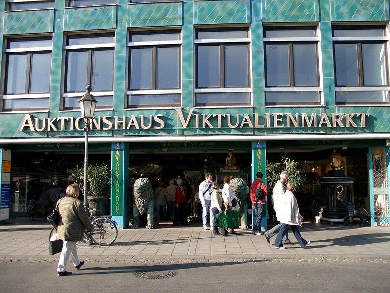 auktionshaus viktualienmarkt viktualienmarkt altstadt m nchen auktionshaus viktualienmarkt. Black Bedroom Furniture Sets. Home Design Ideas