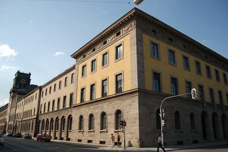 Universitat Munchen