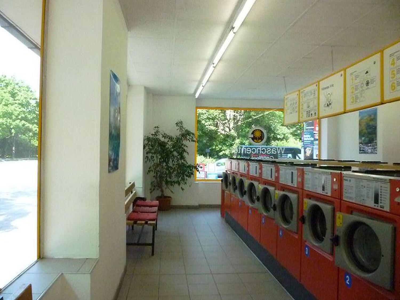 waschsalon schnell sauber chiemgaustr ramersdorf m nchen waschsalon chiemgaustr mit. Black Bedroom Furniture Sets. Home Design Ideas