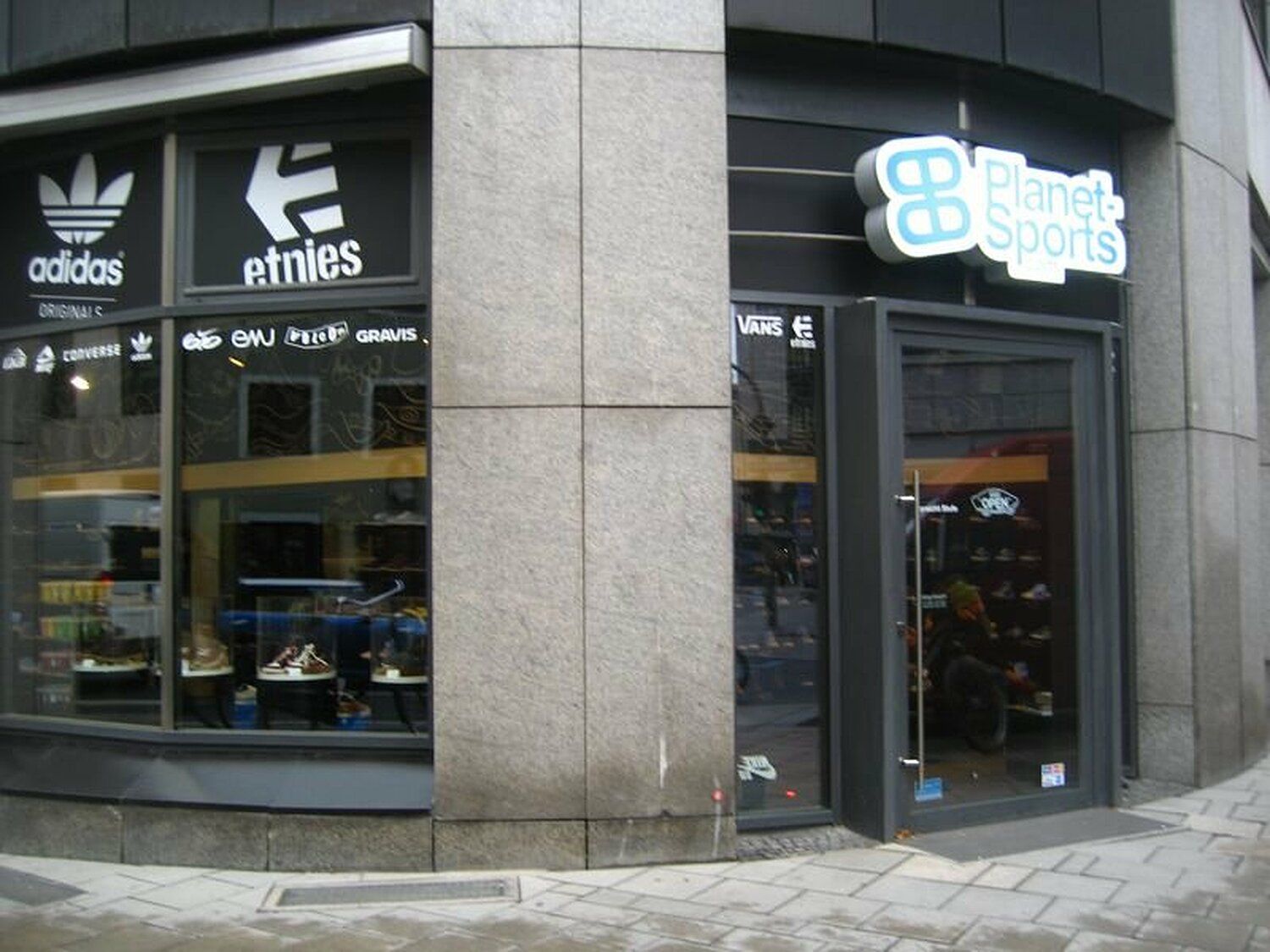 842bef7d6f Planet Sports Shoe Store