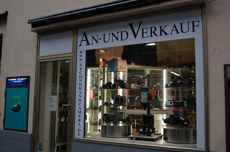 second hand camera shop klenzestr glockenbachviertel m nchen second hand camera shop. Black Bedroom Furniture Sets. Home Design Ideas