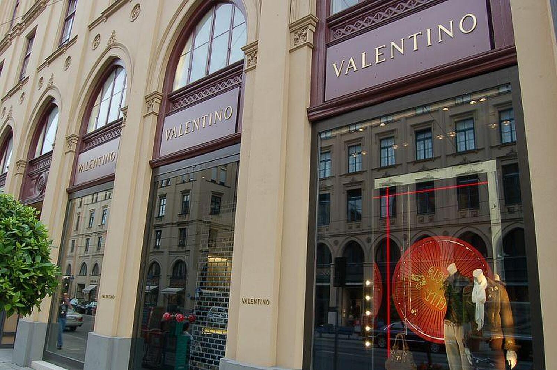 valentino maximilianstr altstadt m nchen valentino willkommen. Black Bedroom Furniture Sets. Home Design Ideas
