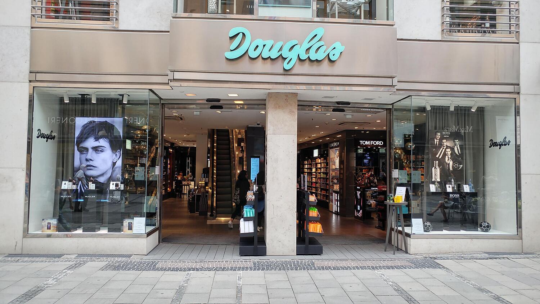 Douglas München