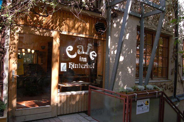 Cafe Im Hinterhof Sedanstr Haidhausen Munchen Hinterhofcafe