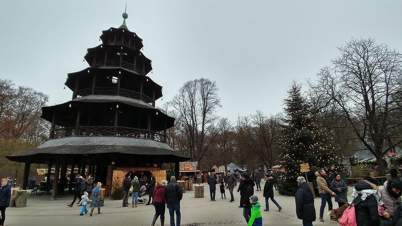 Weihnachtsmarkt Am Chinesischen Turm.Weihnachtsmarkt Chinesischer Turm Englischer Garten Schwabing