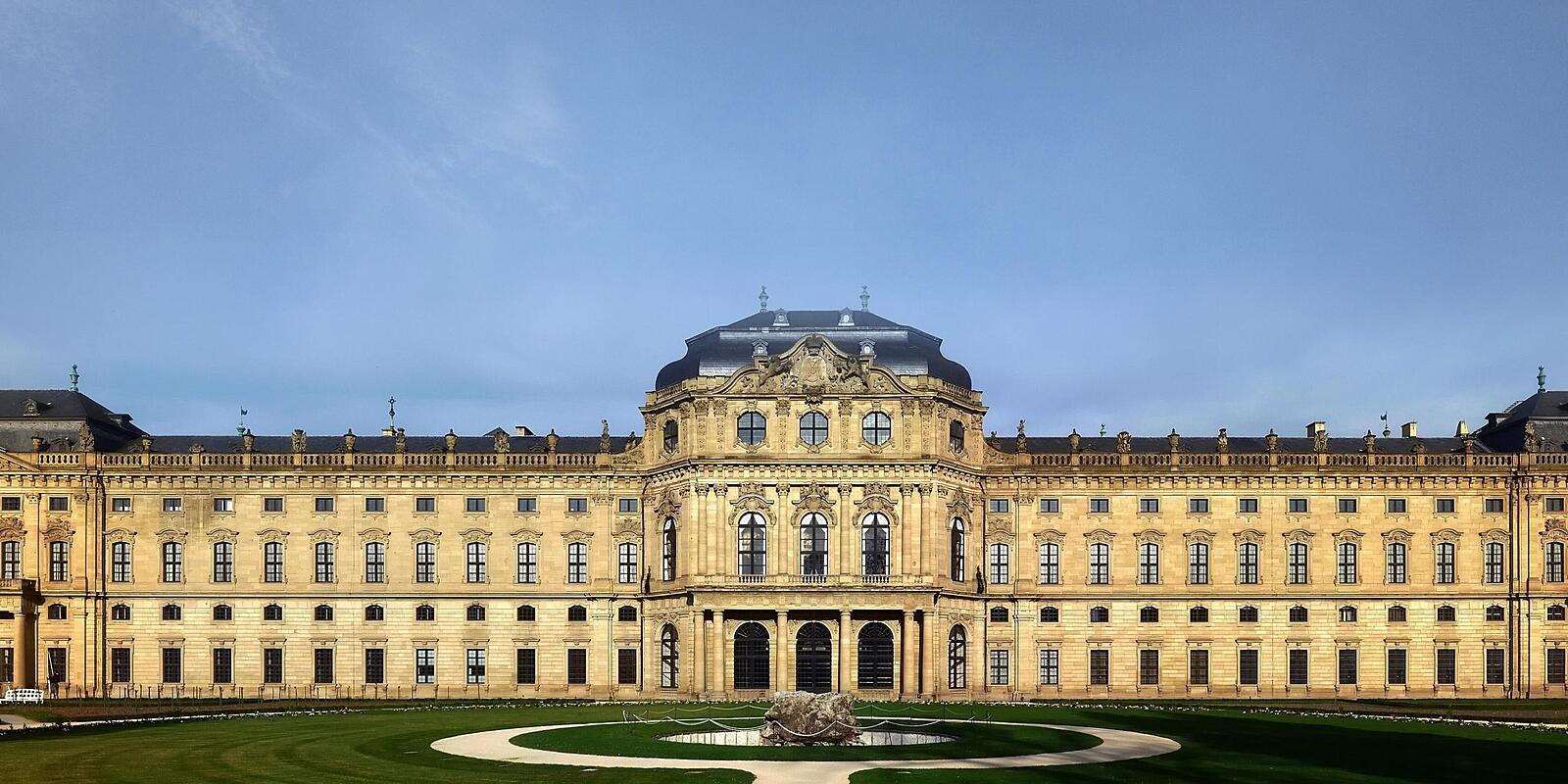 Würzburg München
