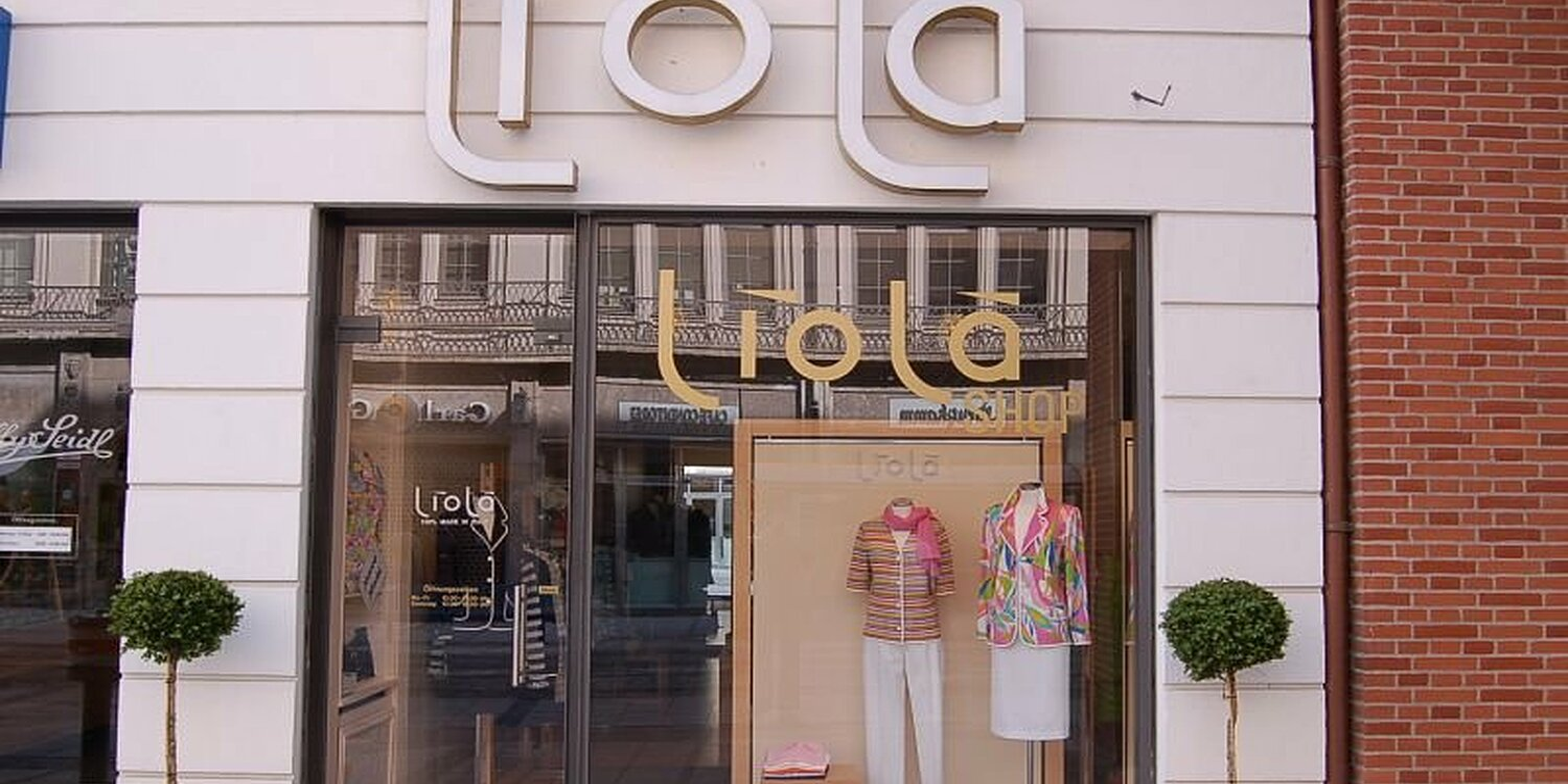 liol shop kamelhaarhaus maffeistr altstadt m nchen liola shop kamelhaarhaus willkommen. Black Bedroom Furniture Sets. Home Design Ideas
