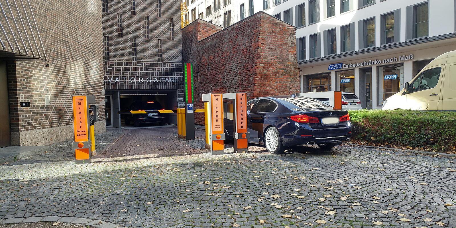 p parkgarage am salvatorplatz salvatorplatz altstadt m nchen parkhaus willkommen. Black Bedroom Furniture Sets. Home Design Ideas