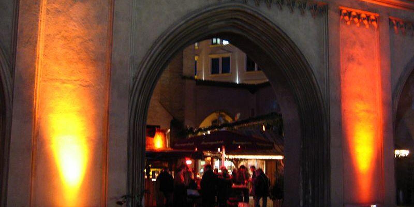 Feuerzangenbowle Isartor, Isartorplatz Altstadt, München