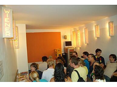 bergwolf fraunhoferstr glockenbachviertel m nchen. Black Bedroom Furniture Sets. Home Design Ideas