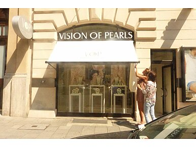 Vision of Pearls