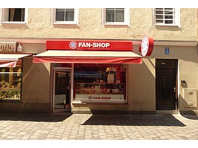 fc bayern fan shop hofbr uhaus orlandostr altstadt m nchen fc bayern fan shop hofbraeuhaus. Black Bedroom Furniture Sets. Home Design Ideas