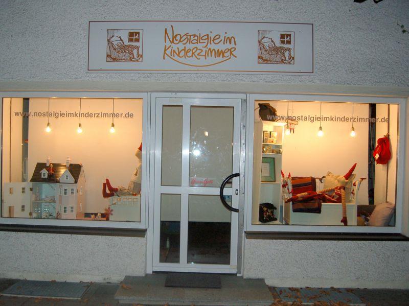 nostalgie im kinderzimmer herrenchiemseestr ramersdorf m nchen nostalgie im kinderzimmer. Black Bedroom Furniture Sets. Home Design Ideas