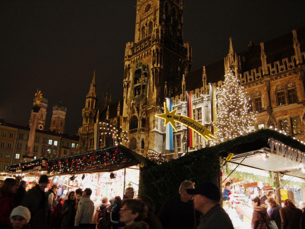 christkindlmarkt am marienplatz marienplatz altstadt. Black Bedroom Furniture Sets. Home Design Ideas
